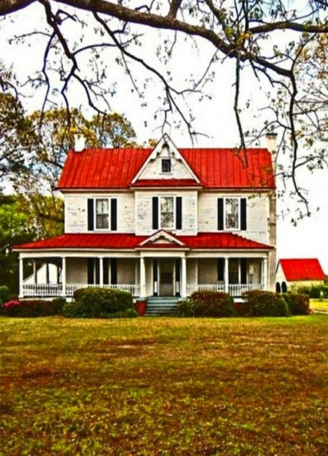 red metal roof on the farmhouse! 9 Country Farmhouse Inspirations !