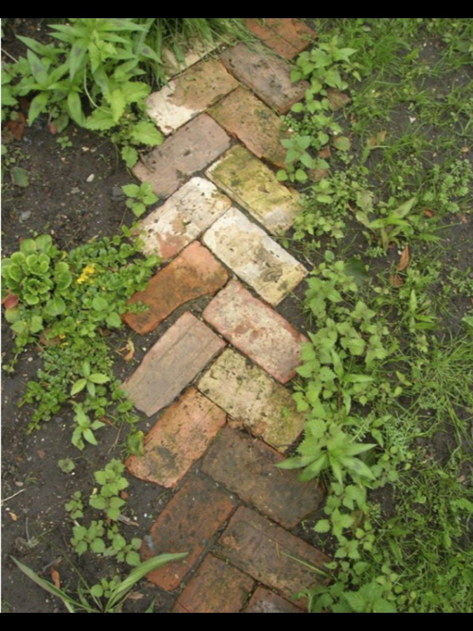 Brick Path Senderos De Jardin Jardines Decoraciones De Jardin