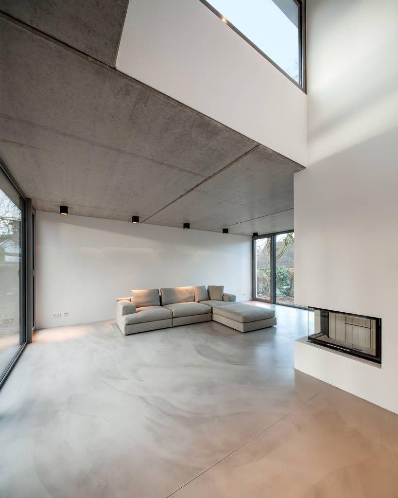 Wohnzimmer des modernen interieurs des hauses bauhaus in blankenese sichtbeton kann auch im wohnzimmer schön sein