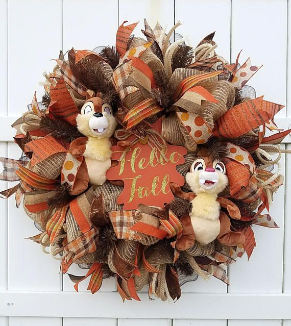 Fall Chip and Dale Wreath, Hello Fall Wreath, Fall Wreath, Autumn Wreath, Chip and Dale Wreath, Fall Decor, Autumn Decor, Disney Fall Wreath #hellofall