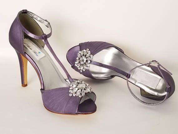 768127fb6f9b46 Violet aubergine mariée chaussures mariage mauve avec des | marriage en  2019 | Purple wedding shoes, Organza flowers et Eggplant purple