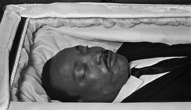 Eazy E Dead Body: Martin Luther King Jr In His Casket