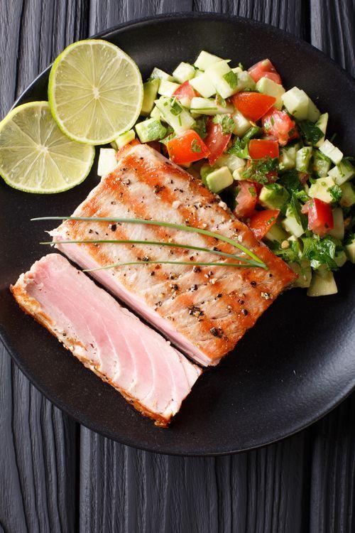 Photo of Sommerlich frisch und gesund: So leicht grillst du saftigen Fisch