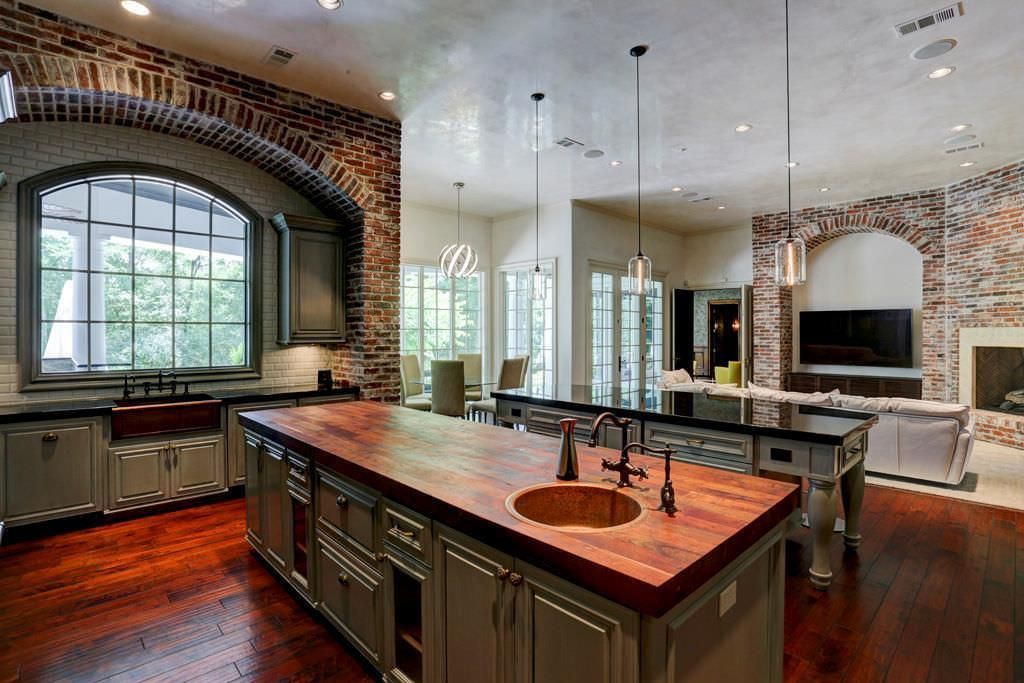 Modern Colonial, Texas, 6 Fleury Way, The Woodlands, Texas 77382 - page: 1