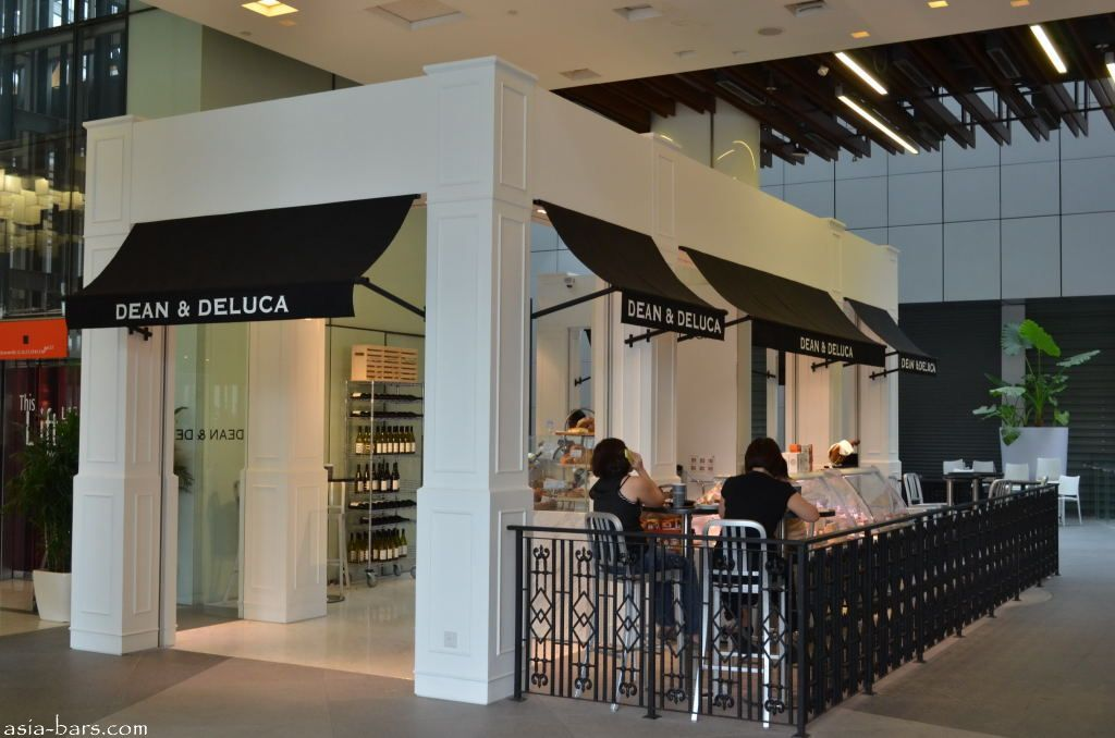 Dean Deluca Have Opened Their Flagship Cafe And Store In Singapore In A Bright And Spacious 3 200 Sq Ft Section On Level 4 O Gourmet Cafe Cafe Restaurant Bar
