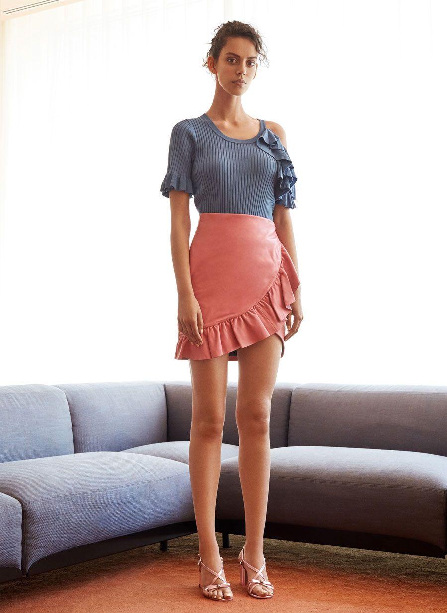 Falda piel volante rosa - Ver todo - Última semana - Uterqüe España efa9dcd8fa2a