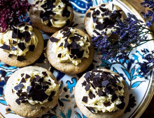 die ultimativen Vanille Muffins mit Vanille Topping
