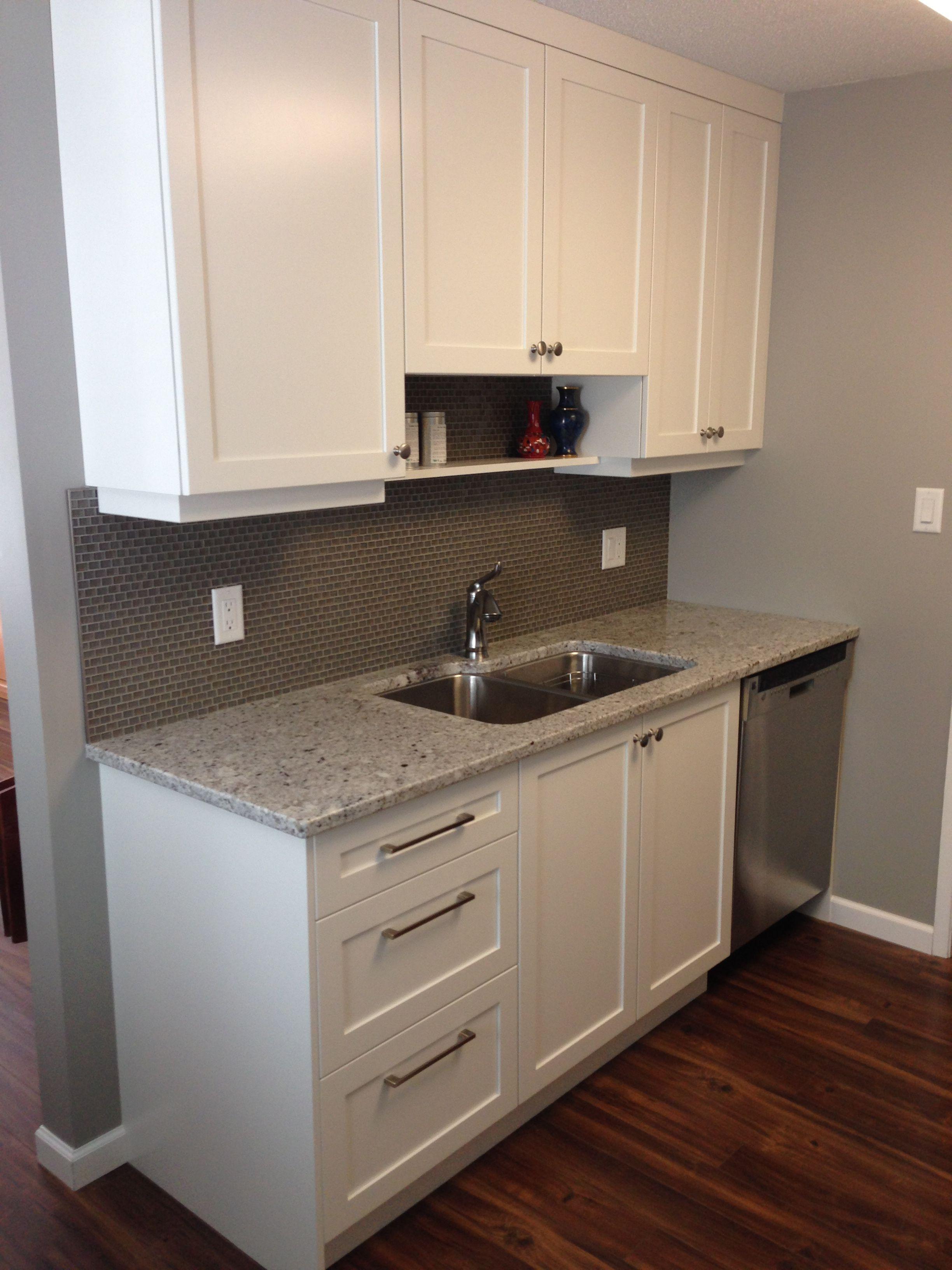 Cabinets white shaker style countertop andino granite backsplash grey kenai also