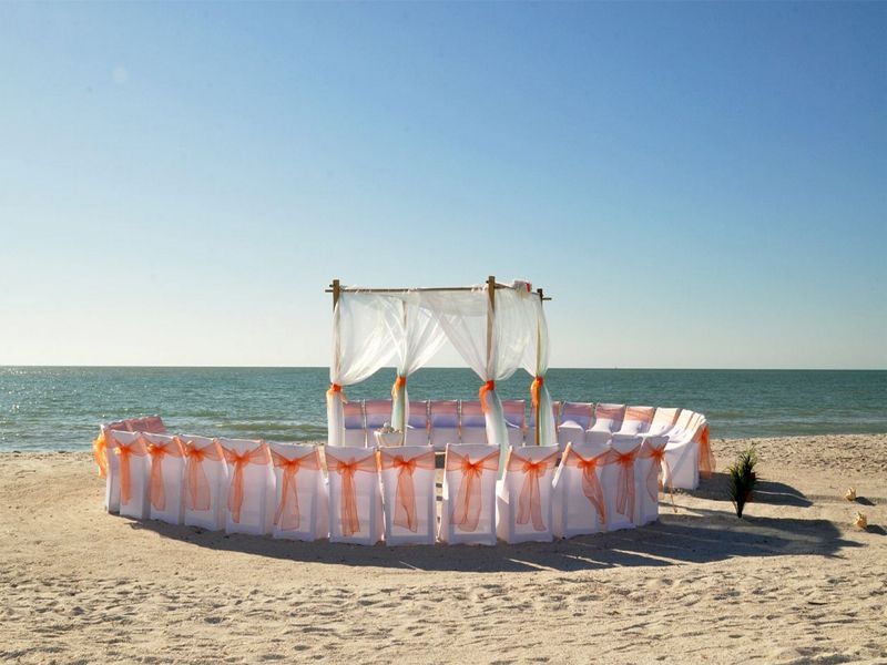 Florida Beach Wedding Perfection A Tangerine Dream Presented By Suncoast Weddings The Circular Seating