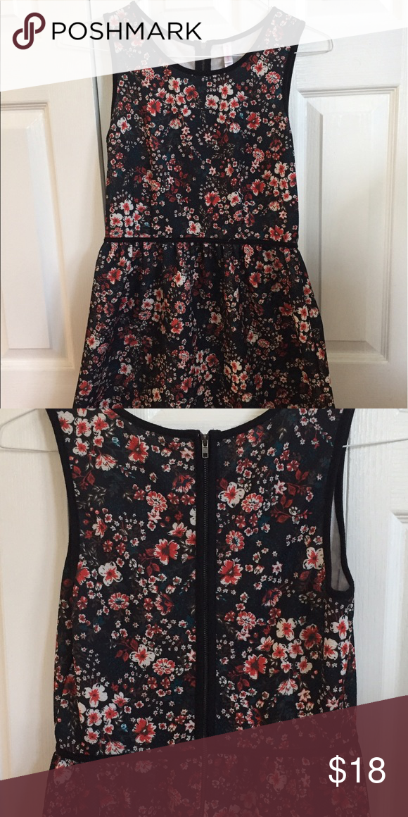 b9f495fe46 Super Cute Floral Dress (Target) Size Medium dress from Target s Xhilaration  brand. Have worn multiple times for events