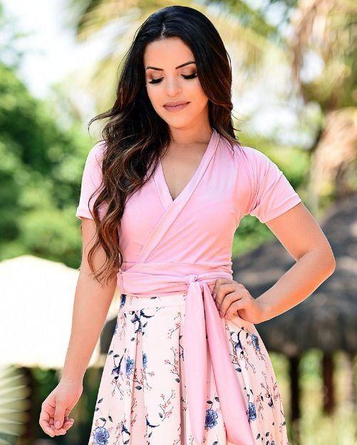 5f0349cd44 Blusa Rosa Transpassada Moda Evangélica é aqui. Tudo em até 6x sem juros ou  5