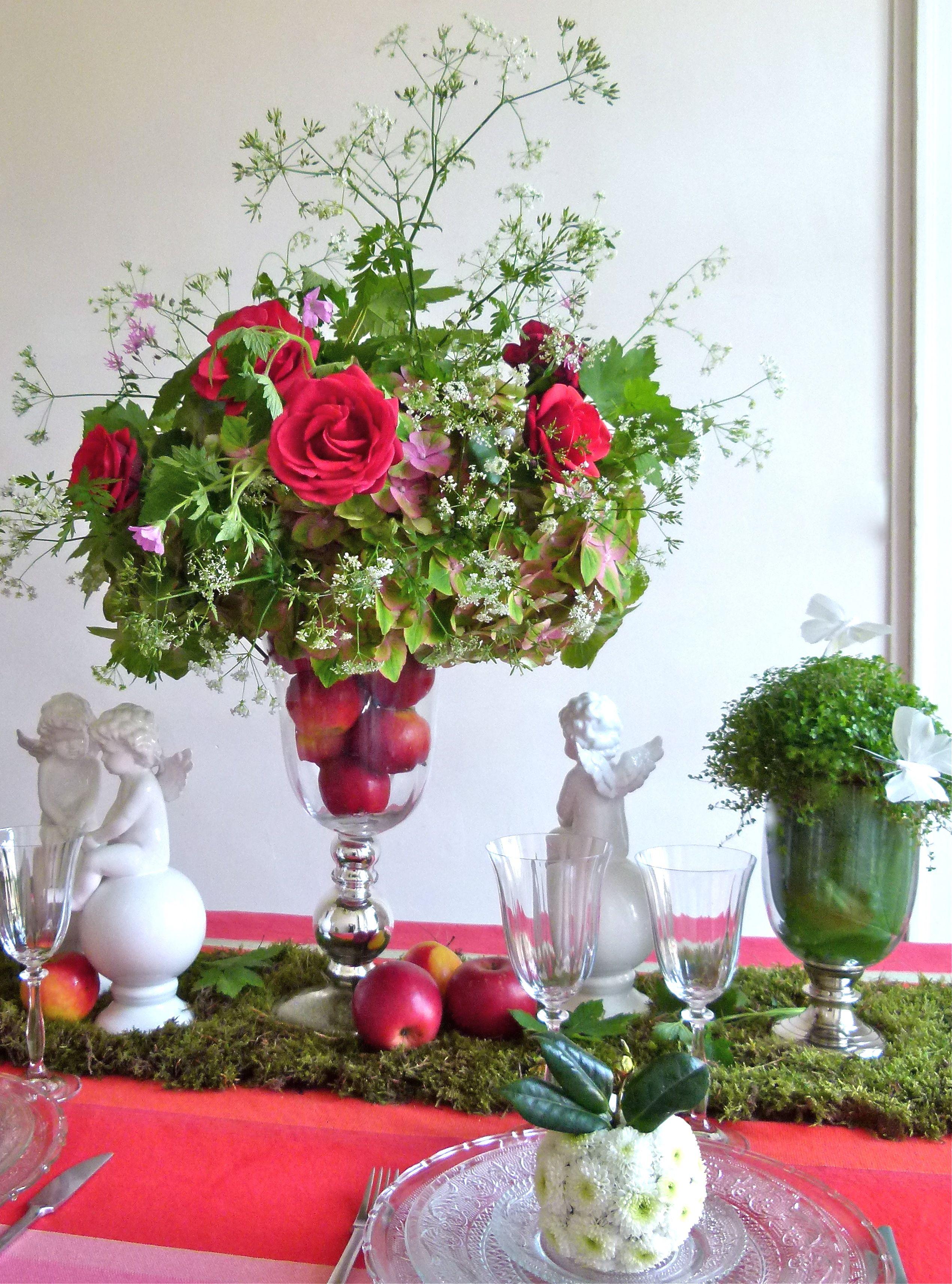 Centre De Table Jardin D Eden Rose Rouge Pommes Et Anges Snow