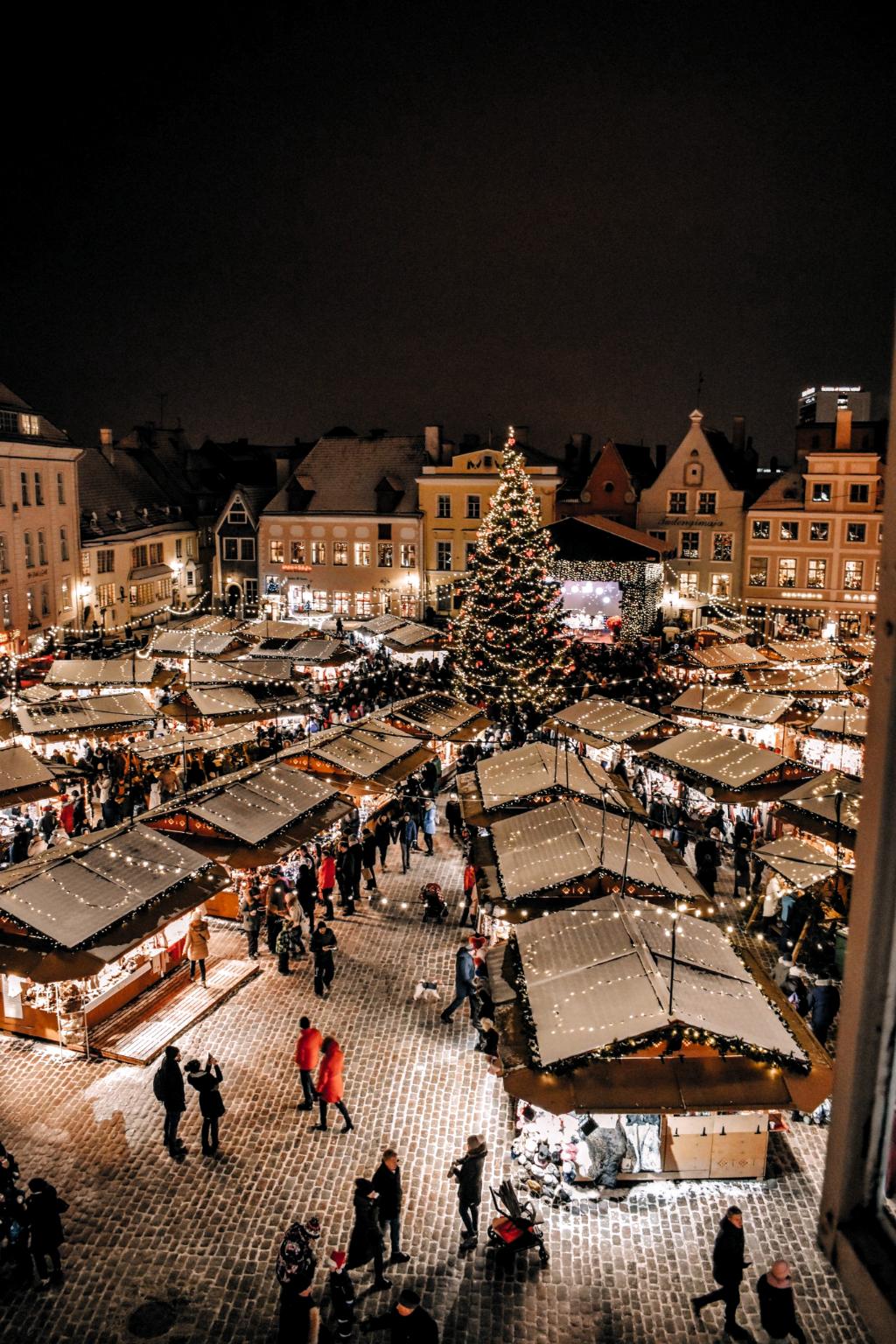 Beautiful medieval Christmas Market in Tallinn Estonia #tallinn #estonia #christmasmarket #europe #travel