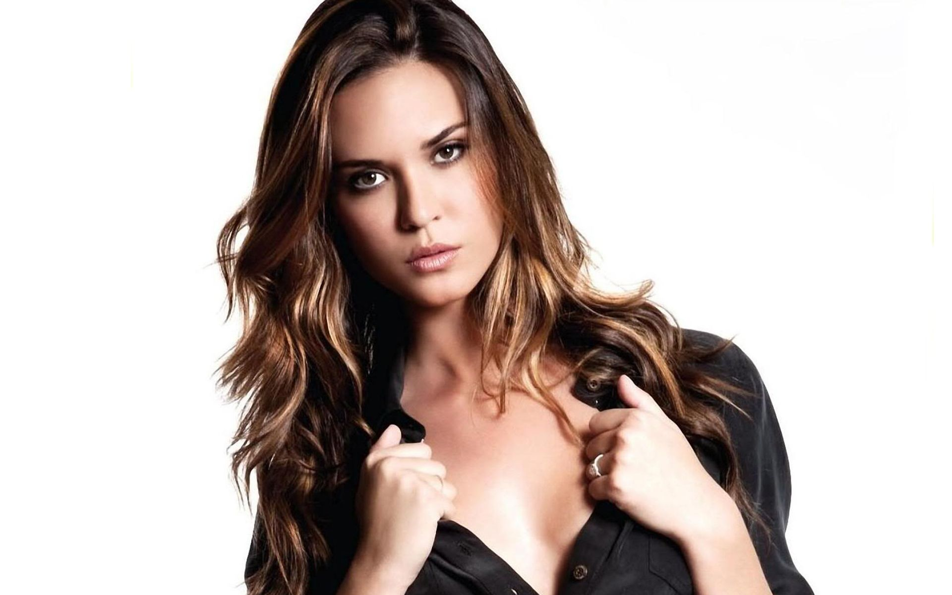 Odette Annable Hd Wallpapers For Desktop Download Odette Annable Beauty Girl Medium Hair Styles