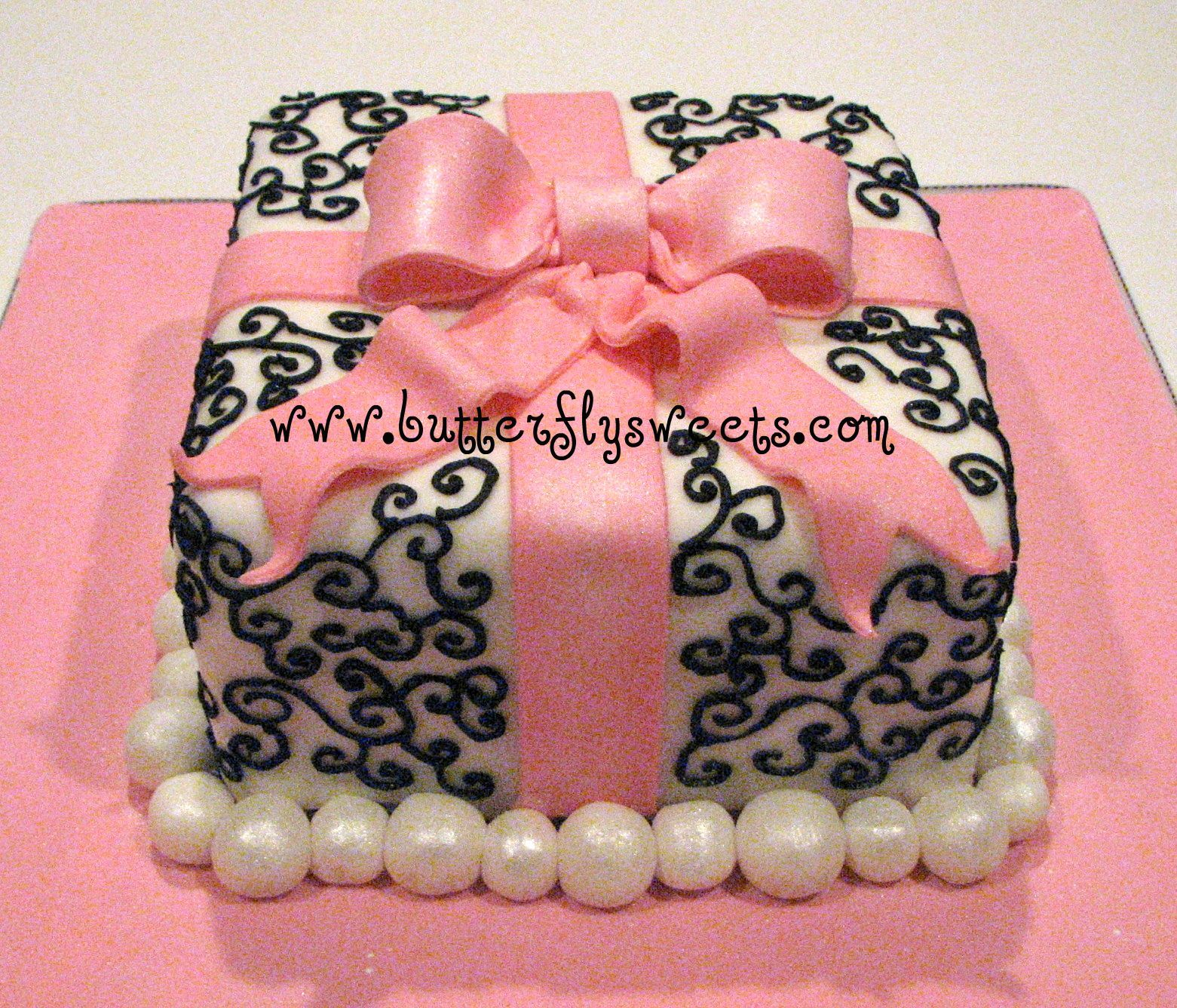square damask birthday cake gift box cake with scroll