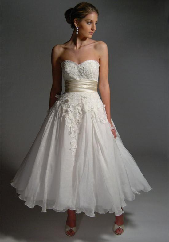 17  images about Tea Length Wedding Dresses on Pinterest  Sleeve ...