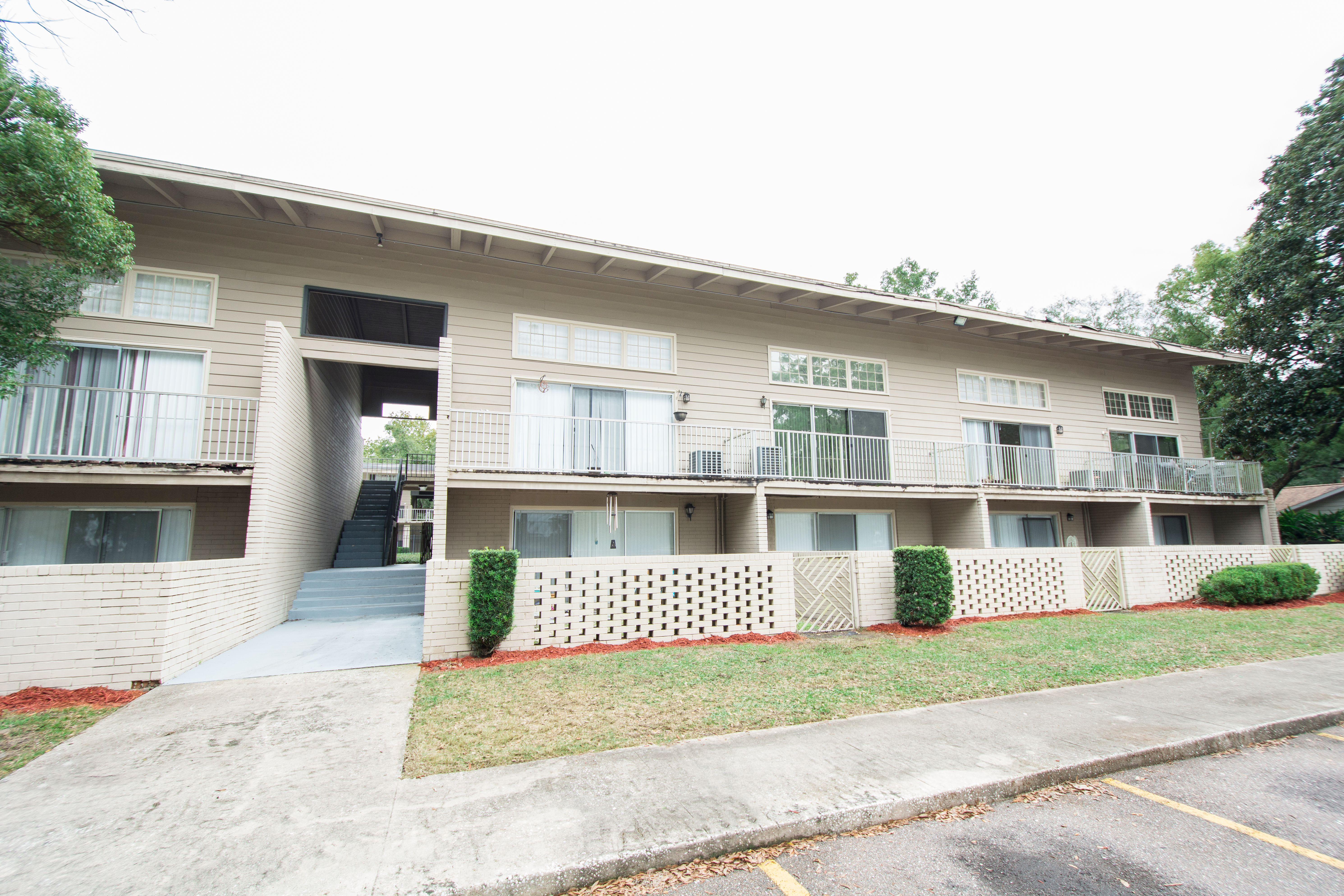 Chelsea Courtyards Apartments Jacksonville Florida Courtyard Apartments Screened In Patio Porch And Balcony