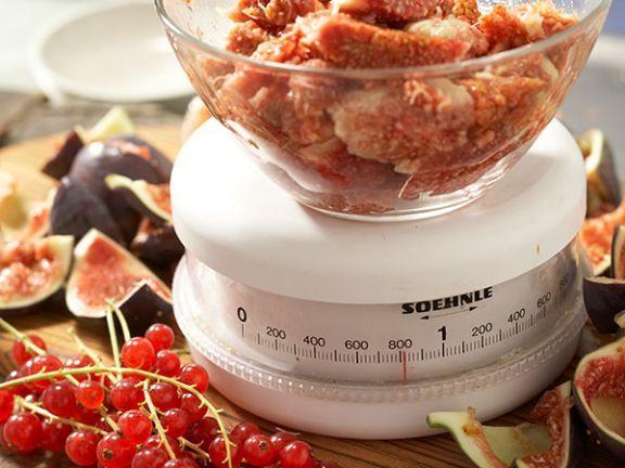 Wissenswertes aus dem Küchenlexikon: Wiegen - so erhalten Sie die perfekte Zutatenmenge.