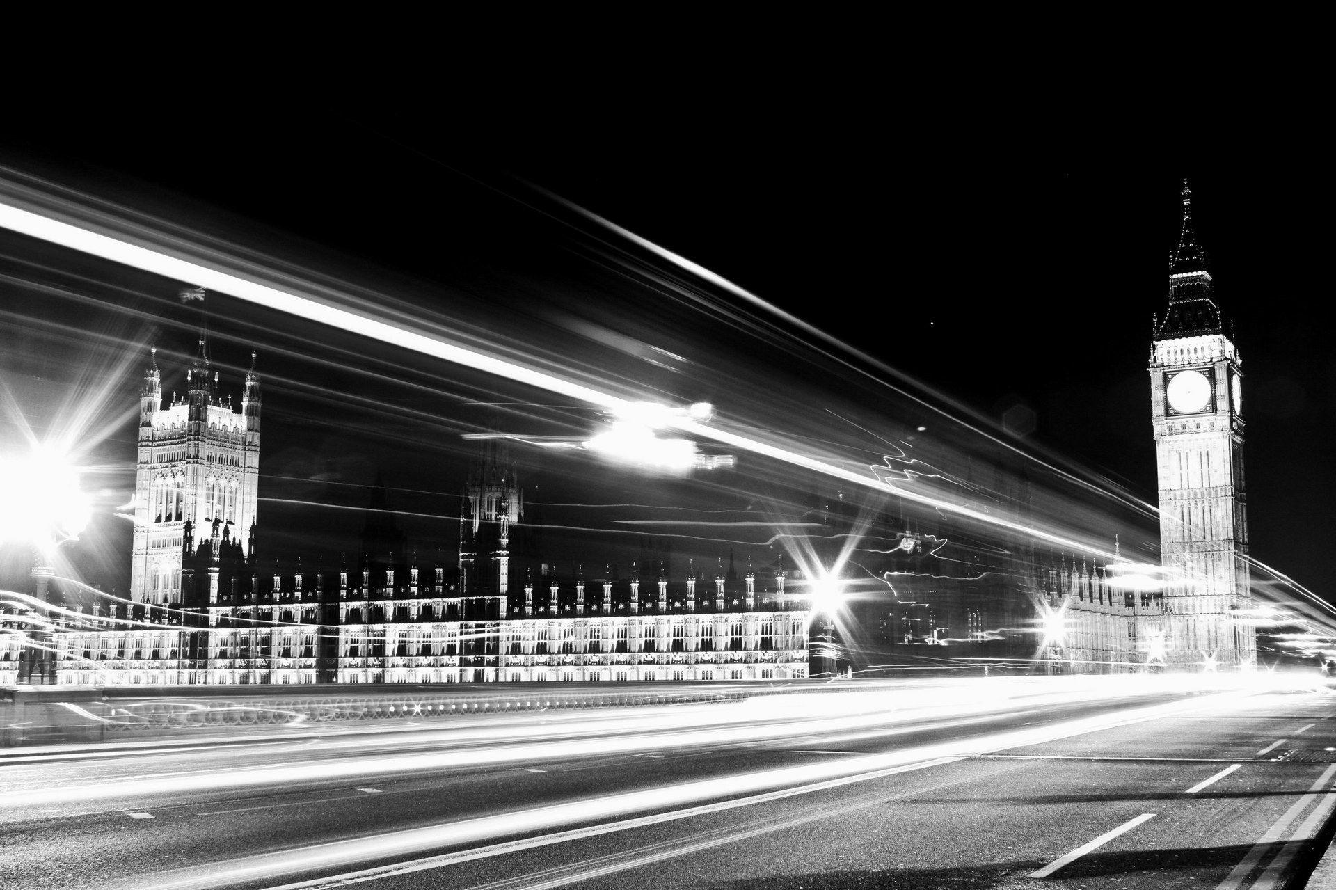 Download HD London Bridge Black And White Wallpaper