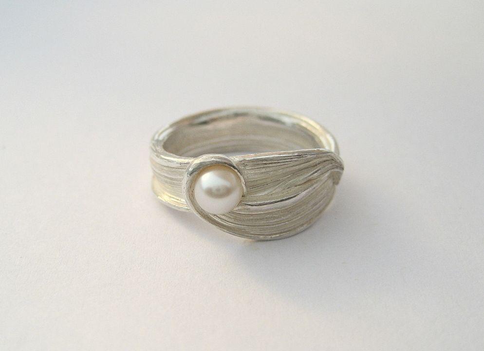 Ring by Liz Oppenheim #Ring #Liz_Oppenheim