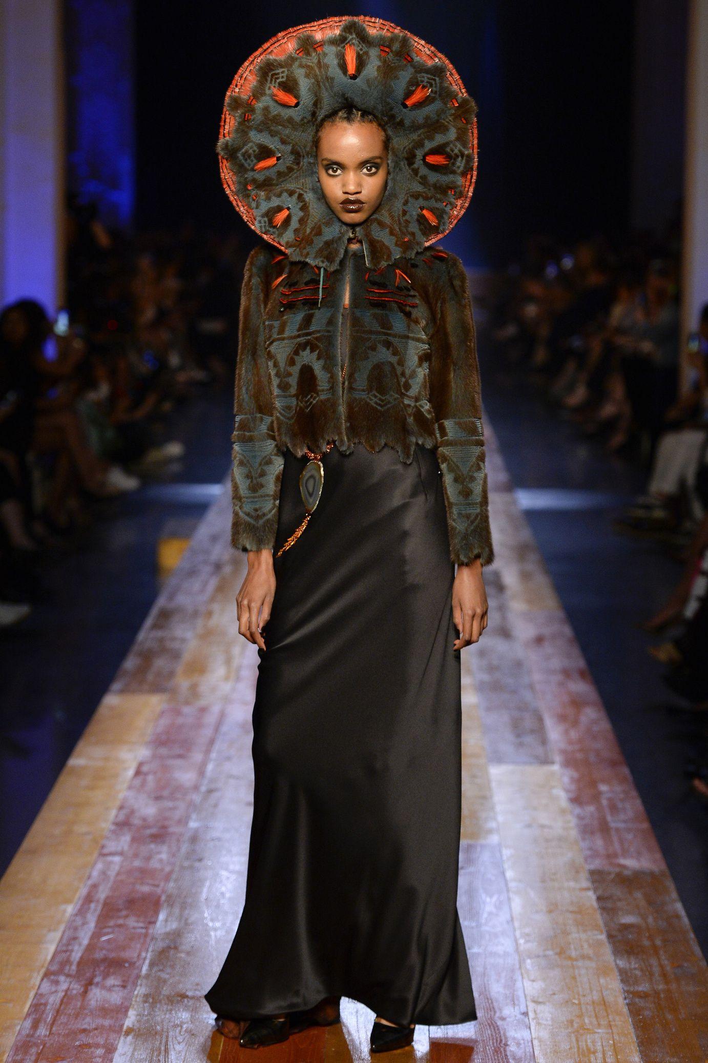Défilé Jean Paul Gaultier Haute Couture automne-hiver 2016-2017 COUTURE