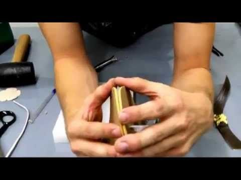 Aprenda como fazer uma sapatilha com materiais fáceis que todo mundo tem em casa. Confiram... Aqui está o link do molde:…