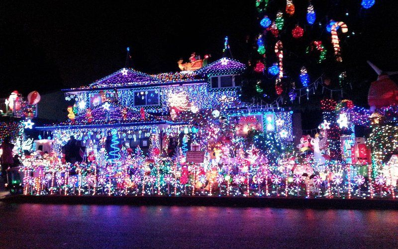 The Best Christmas Light Displays In Every State Best Christmas Light Displays Best Christmas Lights Holiday Lights Display