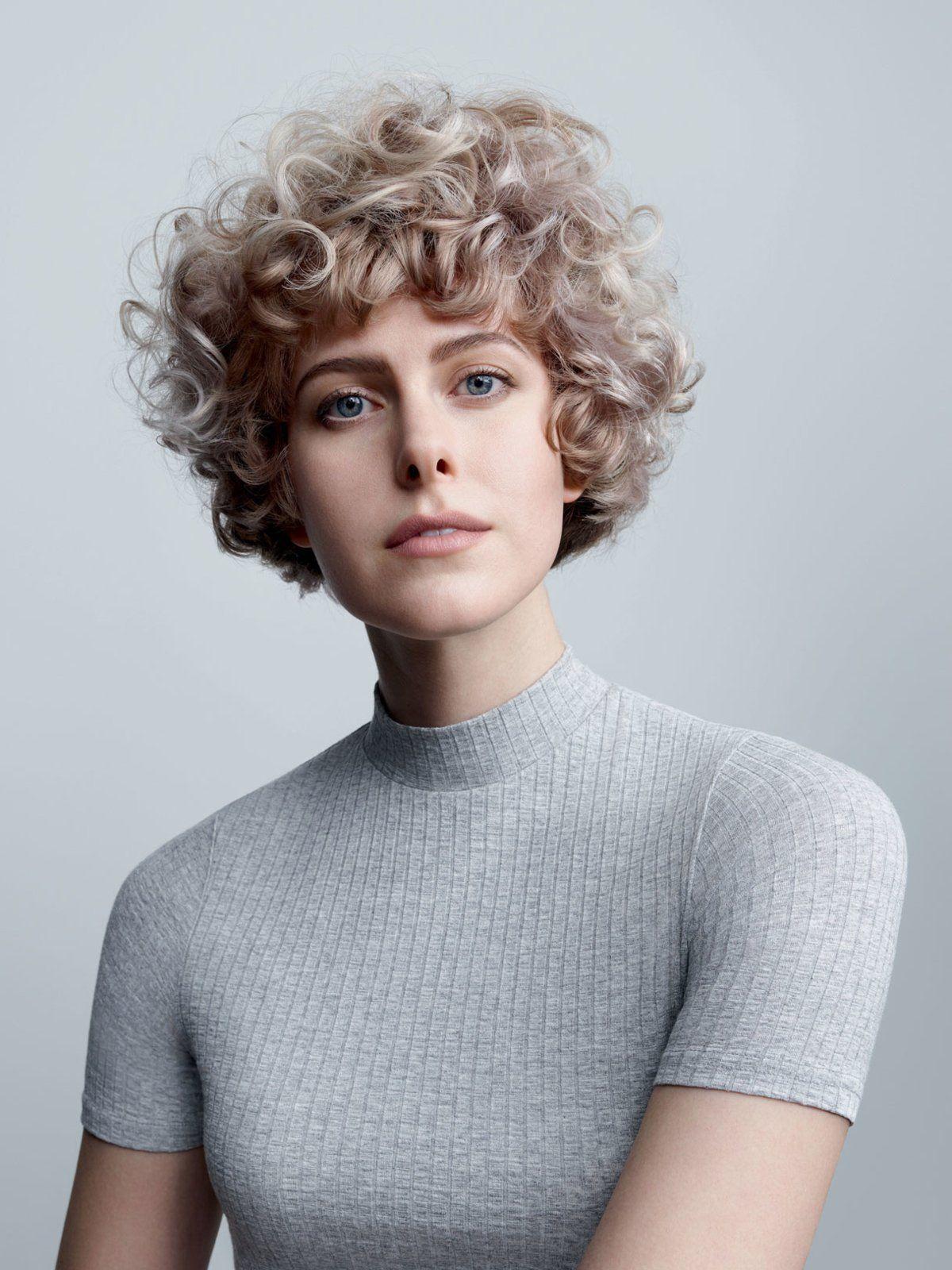 Kurzhaarfrisur trotz krausen locken mit dem richtigen haarschnitt