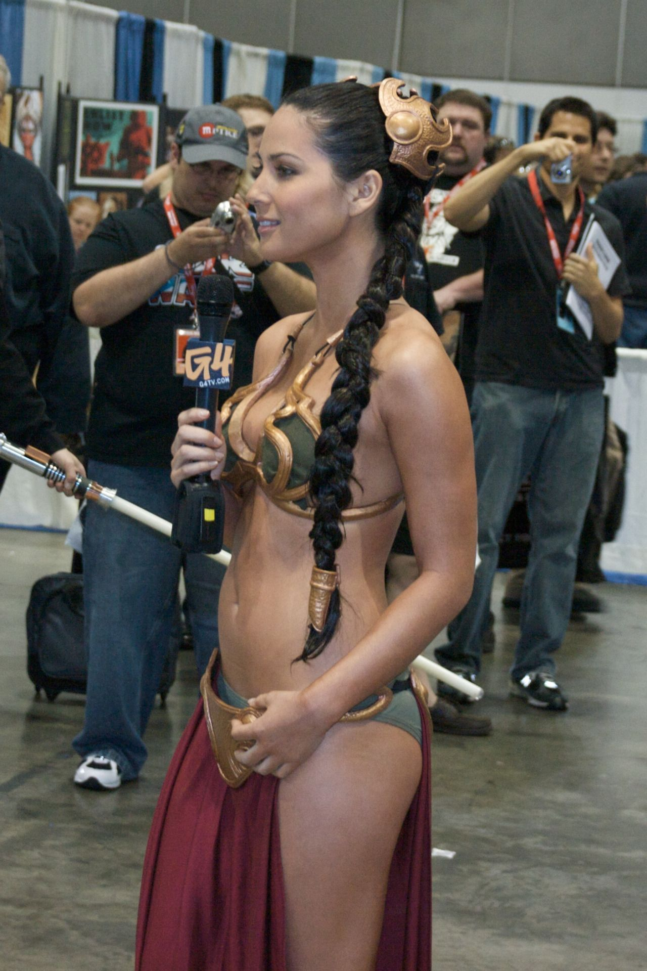Olivia munn sexy cosplay