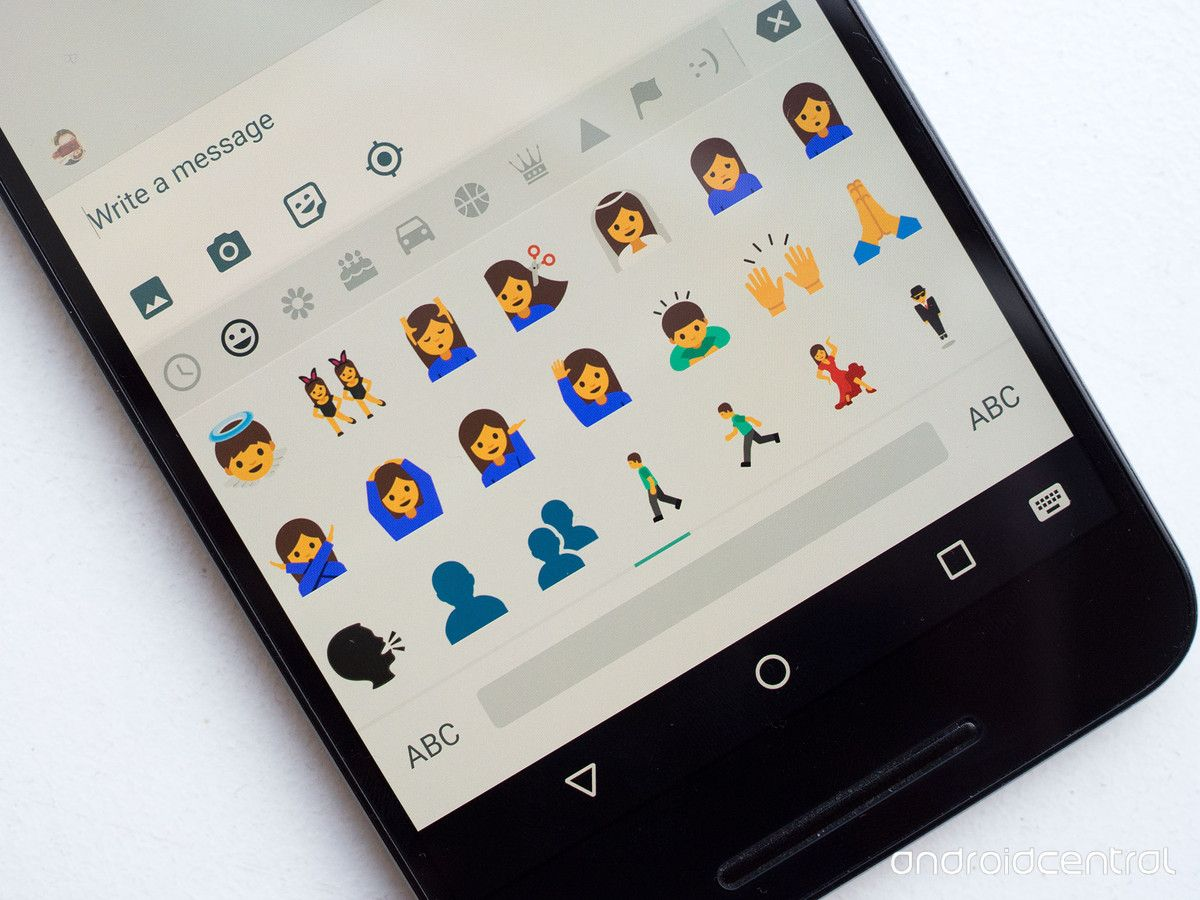 Android Is Finally Making Its Emoji Look Like People Emoji Design Android Emoji Android Phone
