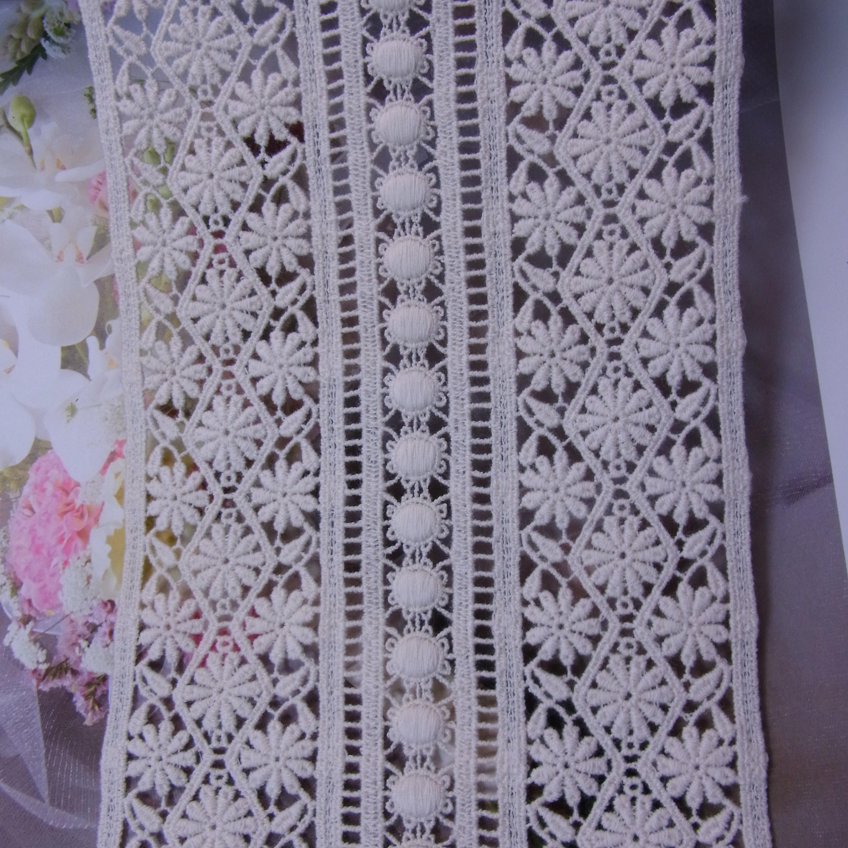 1yard Antique Style scalloped Embroidery Cotton Fabric Crochet Lace Trim