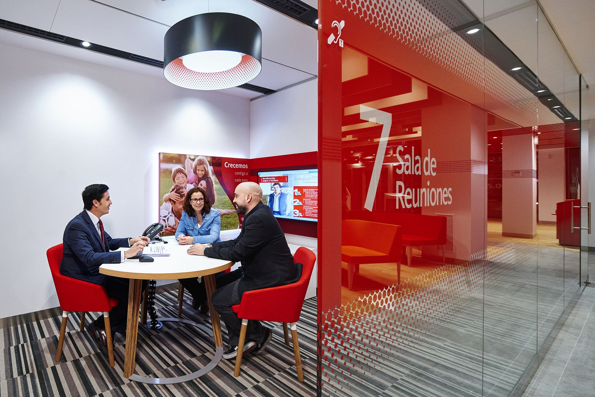 The Space Has Been Fundamentally Designed Upon The Santander Values Of Simple Personal And Fair And Provides A Bank Interior Design Bank Design Branch Design