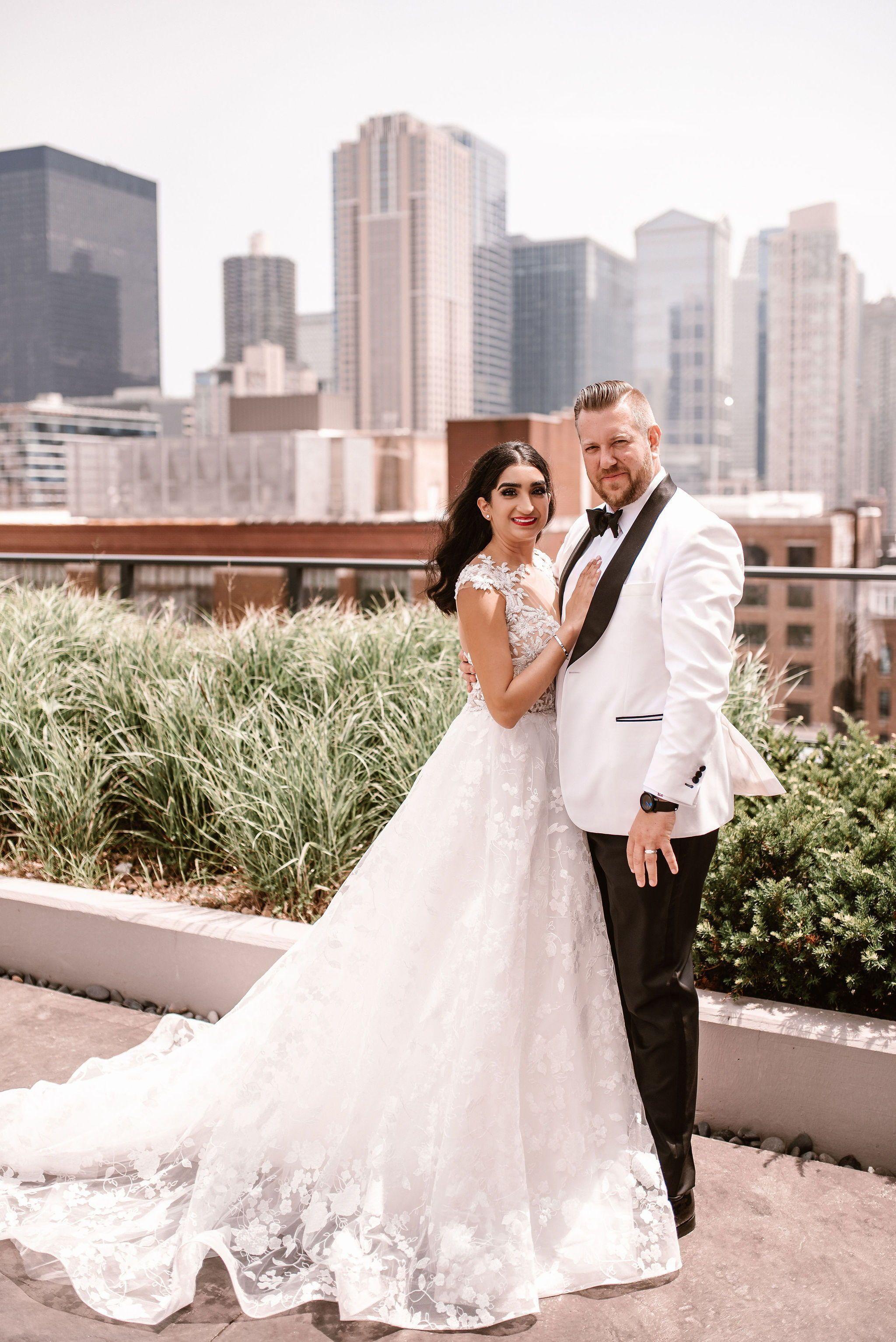 Intimate Loft Lucia Wedding Chicago Wedding Photographer In 2020 Downtown Wedding Chicago Wedding Venues Chicago Wedding