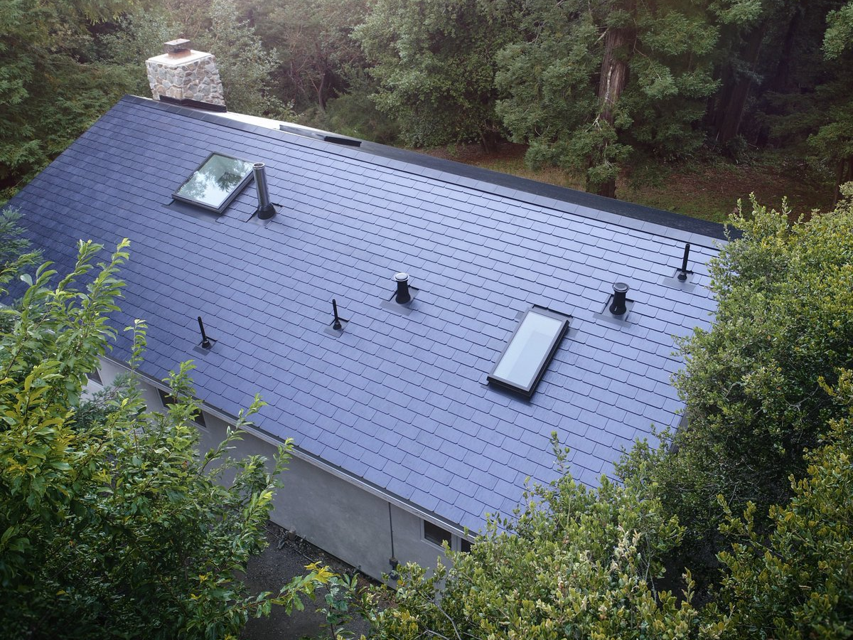 Tesla Solar Roof Facility Now Has Shifts 24 7 To Meet Staggering Demand Tesla Solar Roof Solar Tiles Solar Panels