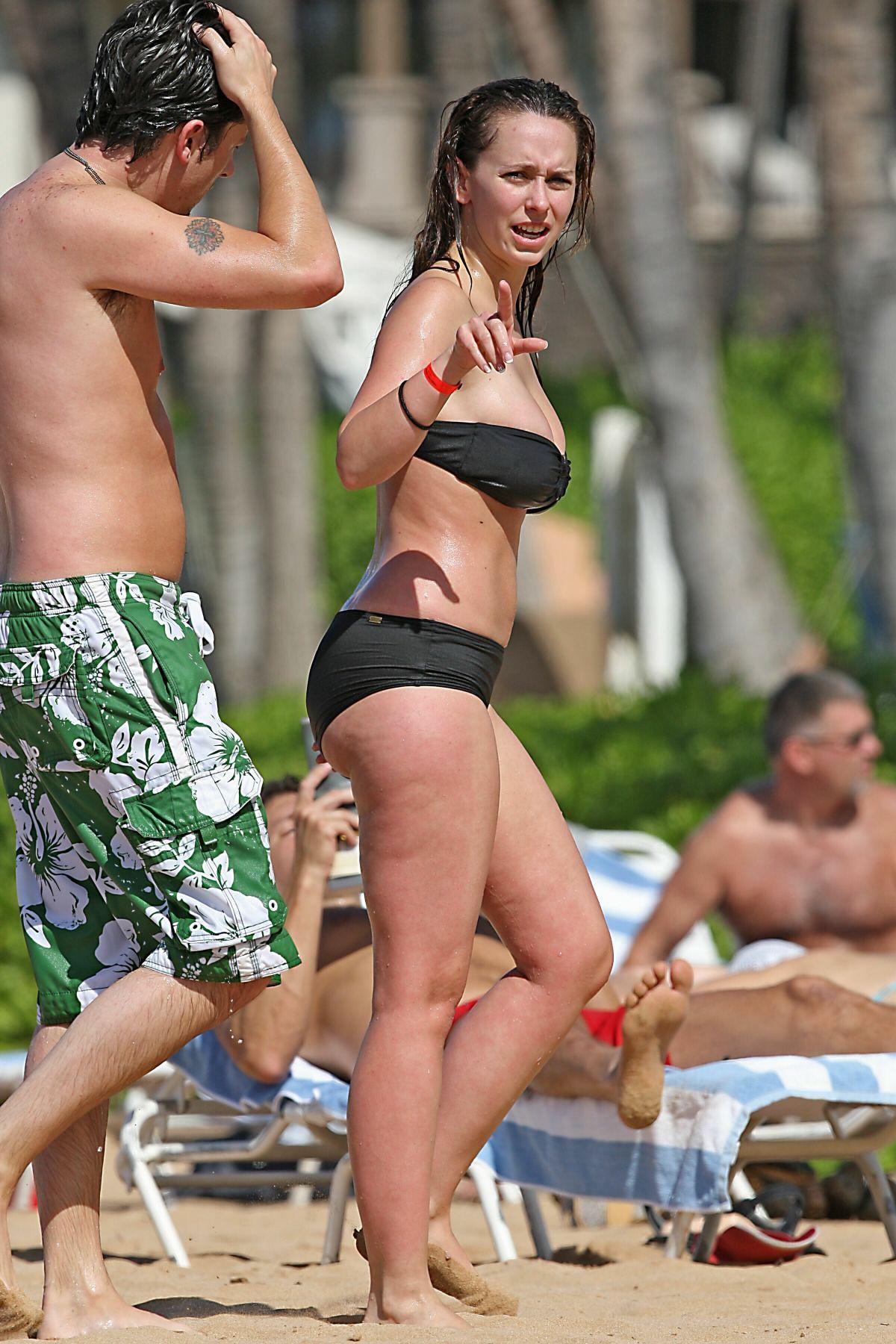 Jennifer love hewitt plus size bikini