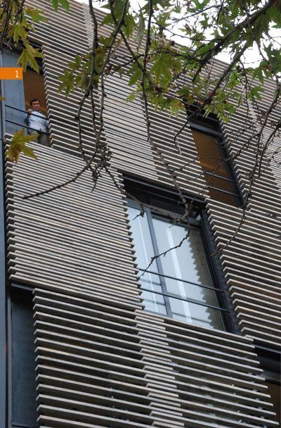 fachada con lamas correderas
