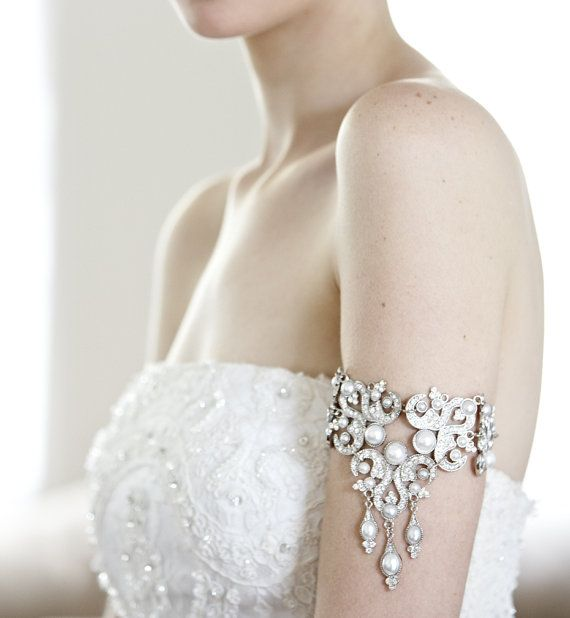 Vintage-Inspired Bridal Jewelry