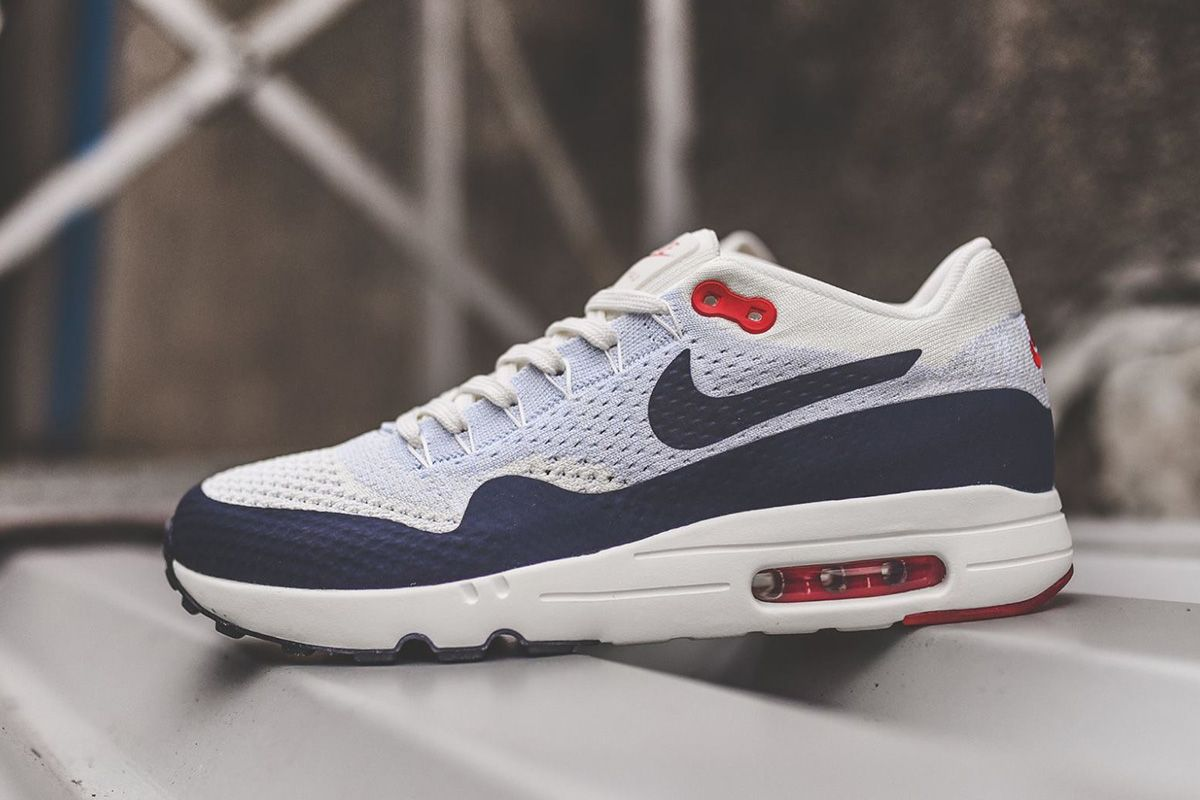 Nike Air Max 1 Ultra 2 0 Flyknit Og Obsidian Detailed Pictures Eu Kicks Sneaker Magazine Nike Shoes Air Max Nike Air Max Nike Air