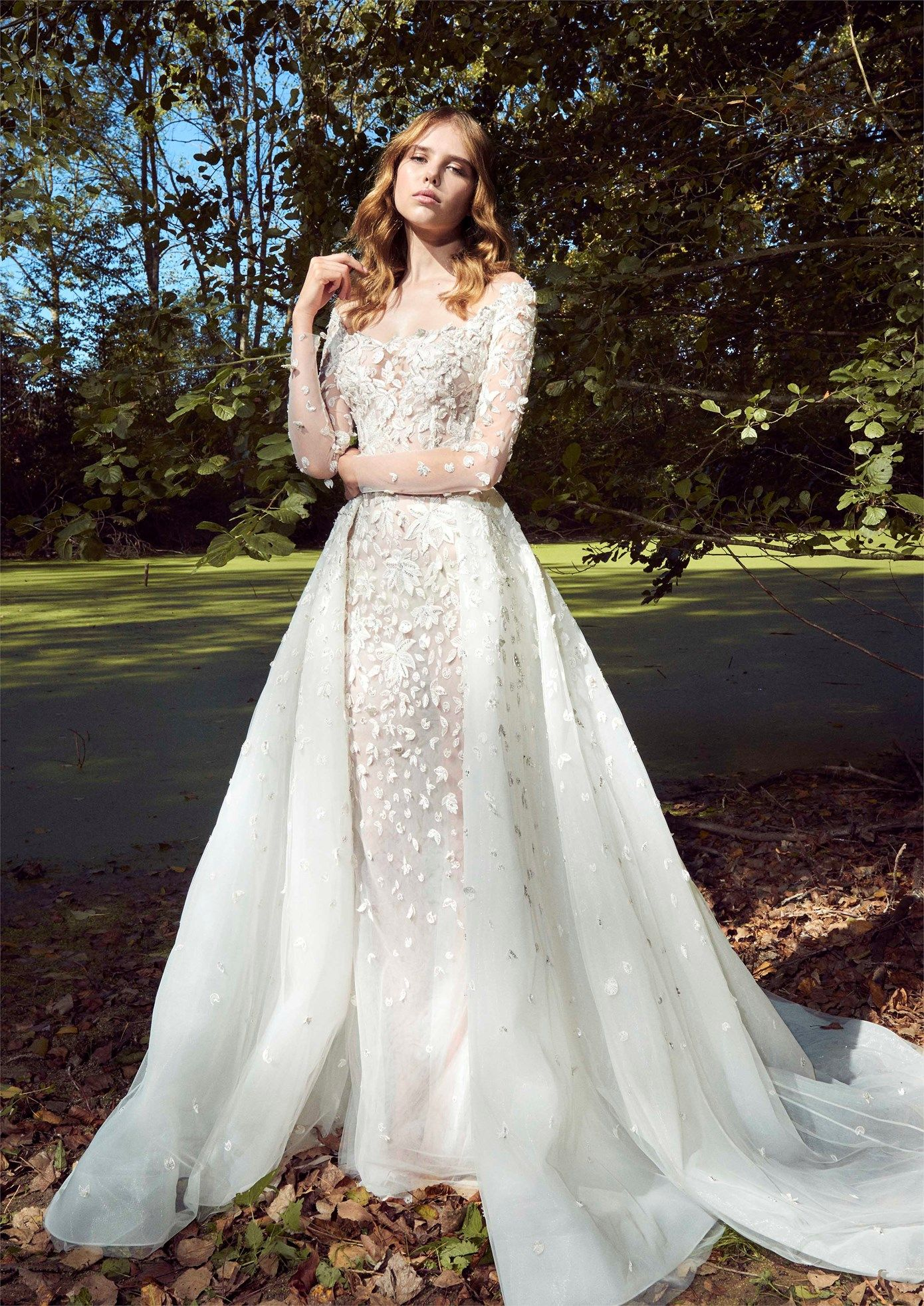 Zuhair Murad S 2018 Pretty Fabric Is Everything For A Simple Silhouette Cape Wedding Dress Wedding Dresses Zuhair Murad Zuhair Murad Bridal