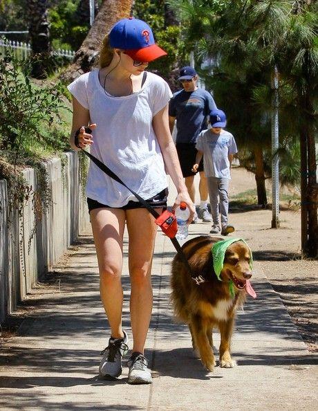 Amanda Seyfried - Amanda Seyfried Out Walking Her Dog