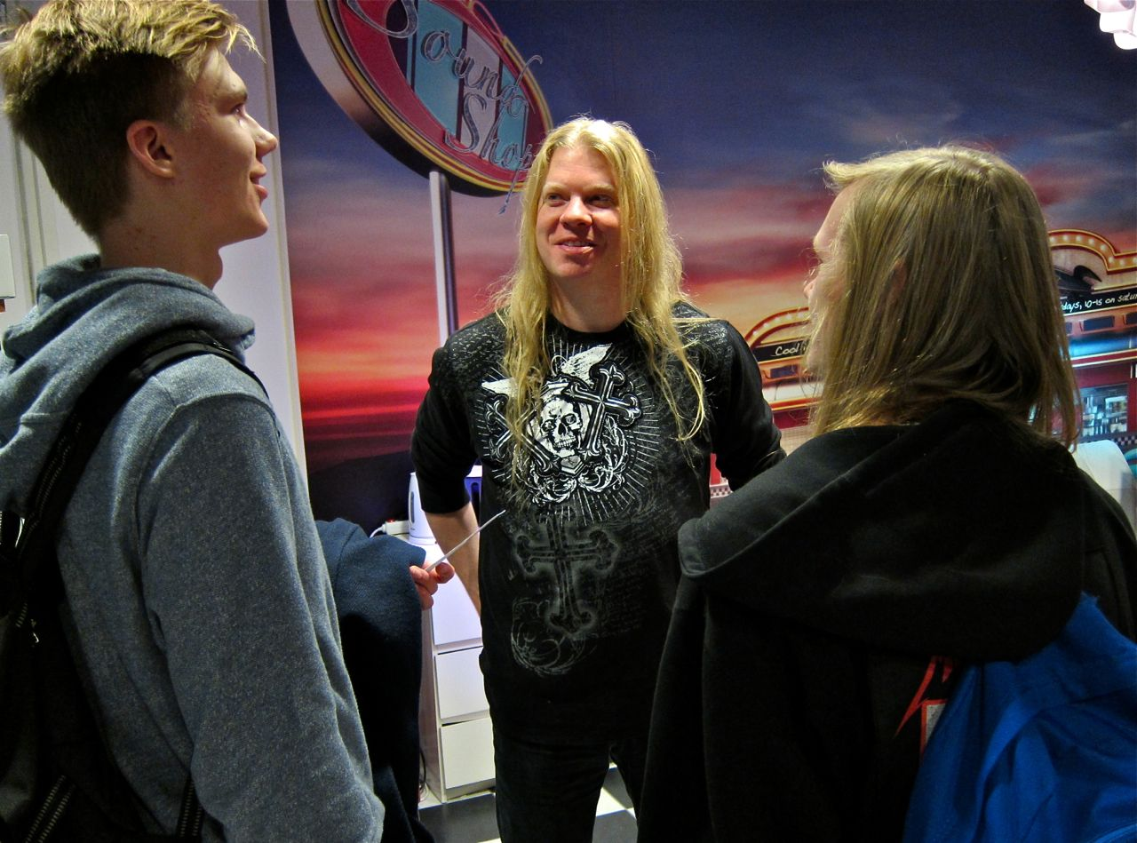 Jeff Loomis + fans @ Sound-Shop.fi