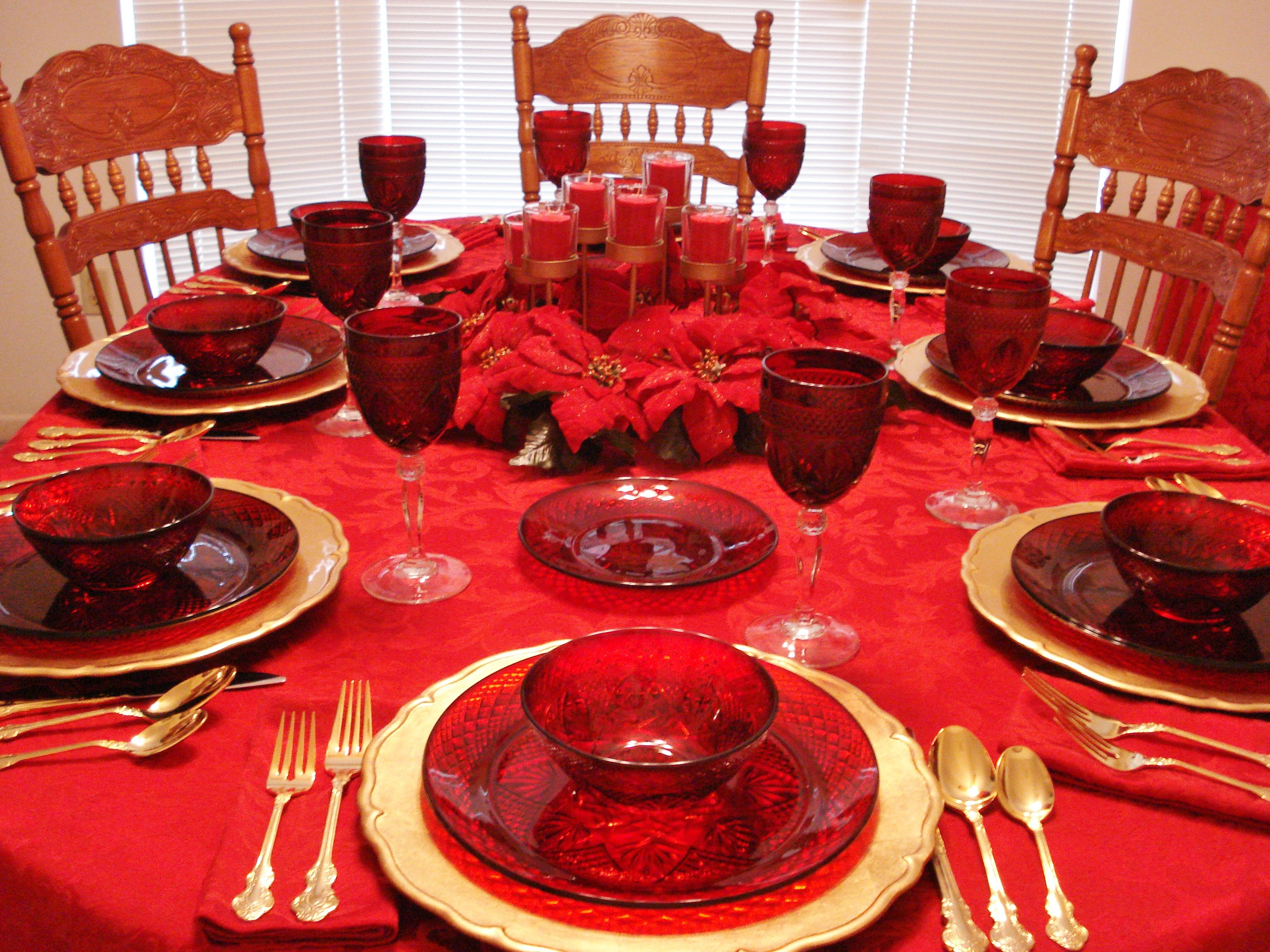 One Of My Christmas Table Settings This One Features My