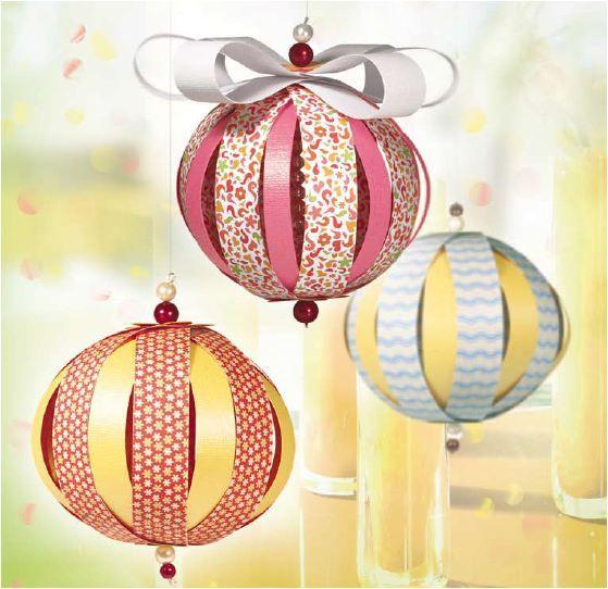 Pin szerz je jenei katalin f ldesi lajosn k zz t ve itt gurigami s hajtogat s weihnachten - Papierkugeln basteln ...