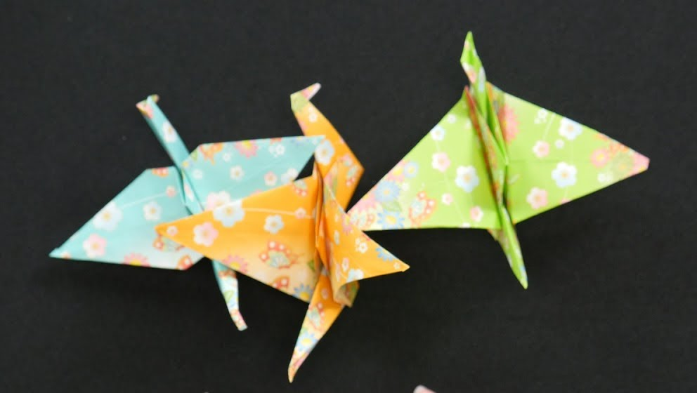 How To Make An Origami Crane Video Origami Cranes Origami And