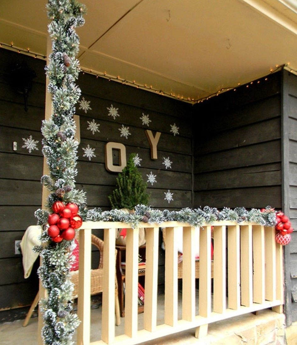 Decoration Snowflakes Wall Sticker And Letter Joy With Red Balls On Decoracion Navidad Balcones Decoracion Navidena De Escaleras Decoracion Navidena Balcones