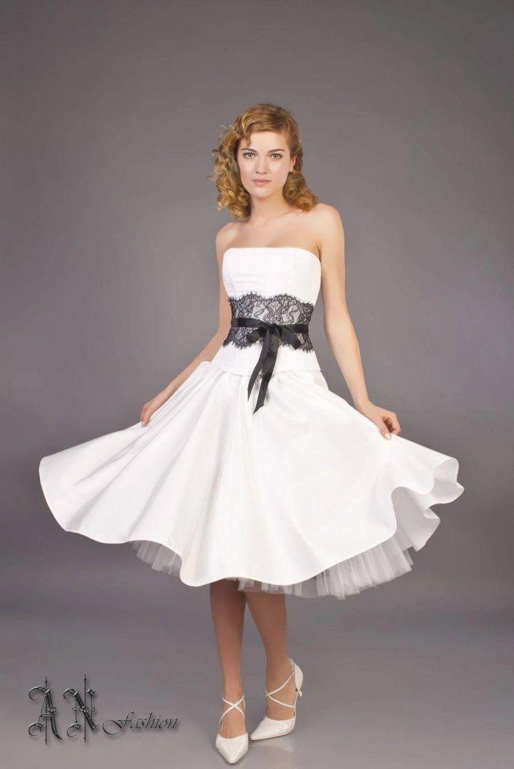 34 Gorgeous Black And White Corset Wedding Dresses Ideas Wedding