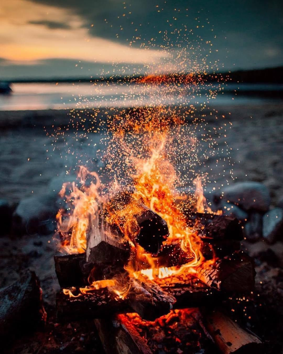 Essenceofnatvre Artofvisuals This To Us Is The Essence Of Summer What Gives You Summer Nostalgia Be Visually Inspired By Gut Fire Photography Photo Fire