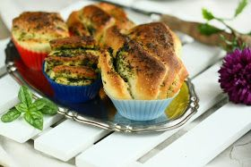 Angie's Recipes . Taste Of Home: Garlic Chive Pull Apart Bread Muffins