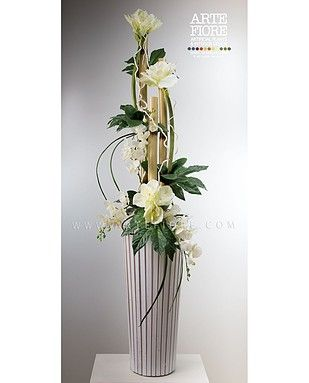 Composizione di fiori in tessuto con amarillis a canne di for Composizioni fiori finti per arredamento