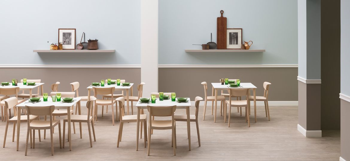 Pedrali Tables Et Chaises De Restaurant Malmo Le Style Scandinave Dans Son Plus Simple Appareil Mobilier Design Mobilier Italien Chaise Restaurant